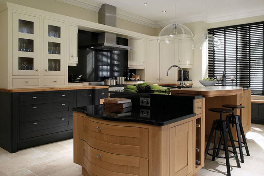 Traditional Fitted Kitchens